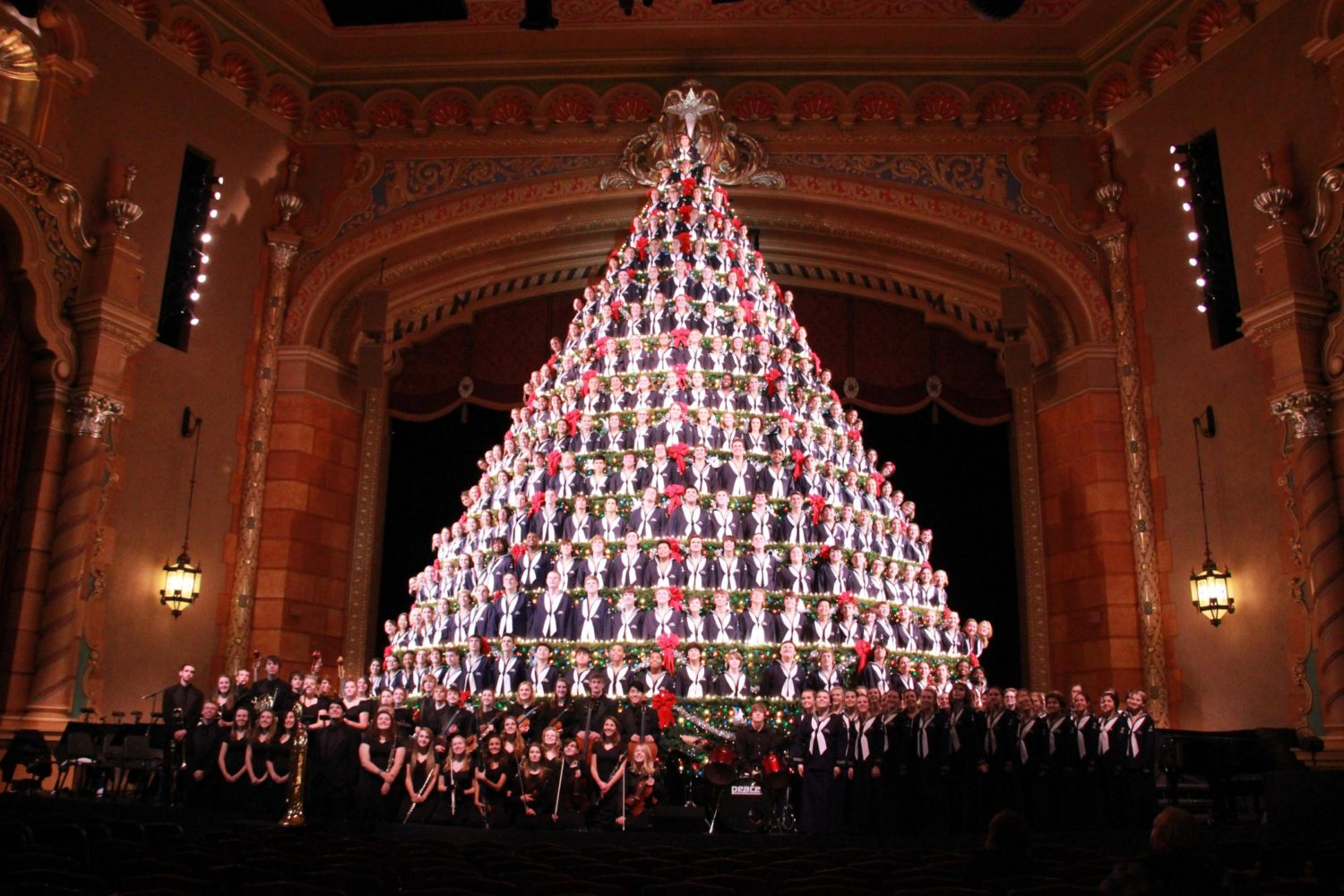 The Singing Christmas Tree 2019 America's Tallest Singing Christmas Tree | Visit Muskegon